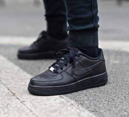 Nike Air Force Flyknit black